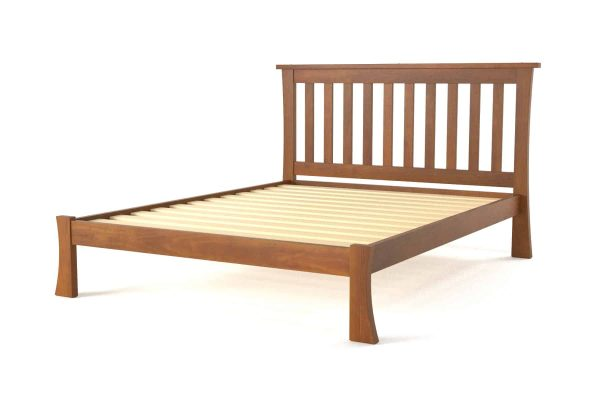 Hudson-Queen-Bed_Angle_Maple